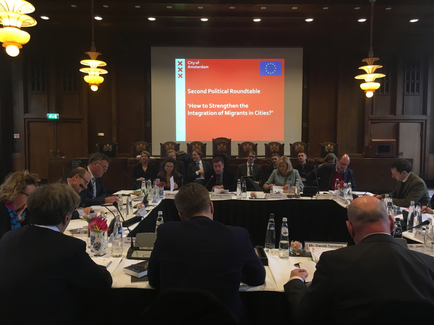 Amsterdam hosts political roundtable on refugee integration